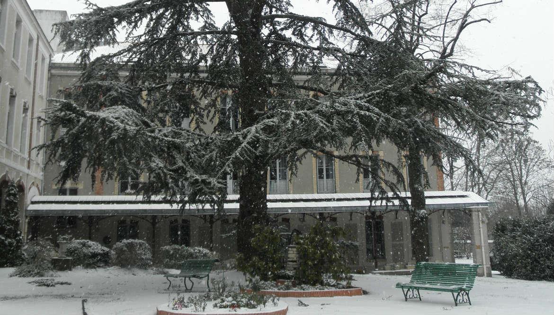 Maison Saint-Joseph sous la neige