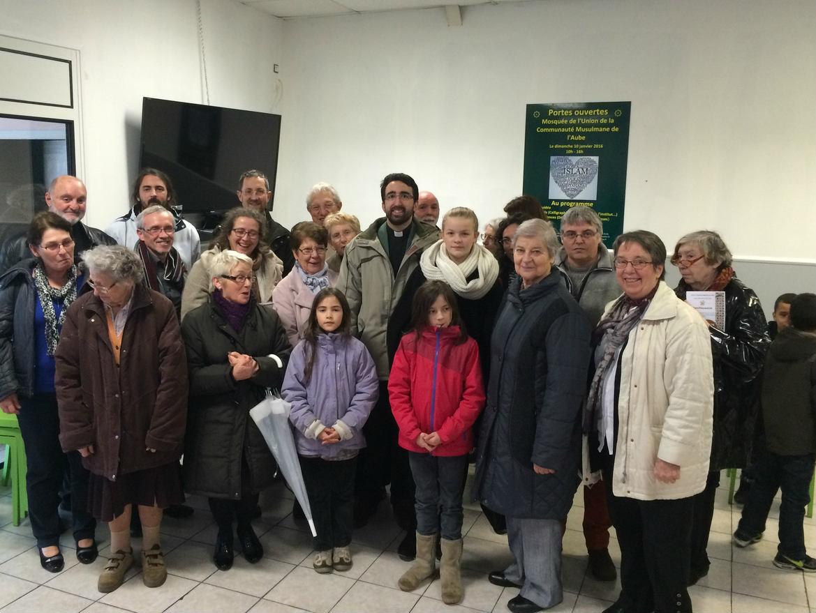 Catholiques à la Mosquée de La Chapelle Saint Luc, 10 janvier 2016