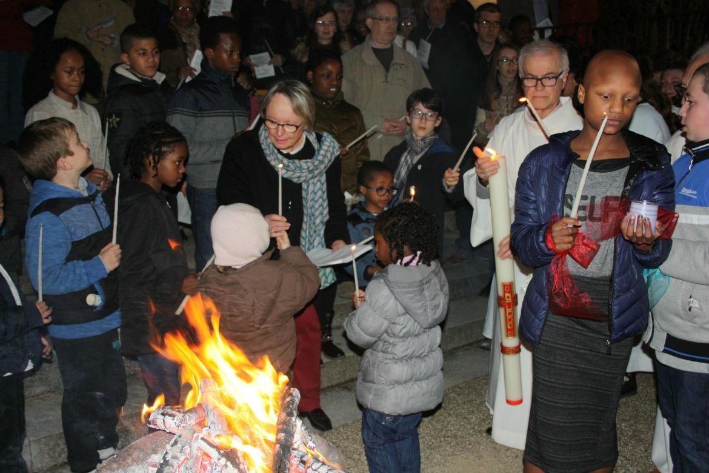 Pâques 2016, quatre baptêmes d'adultes à Bourges