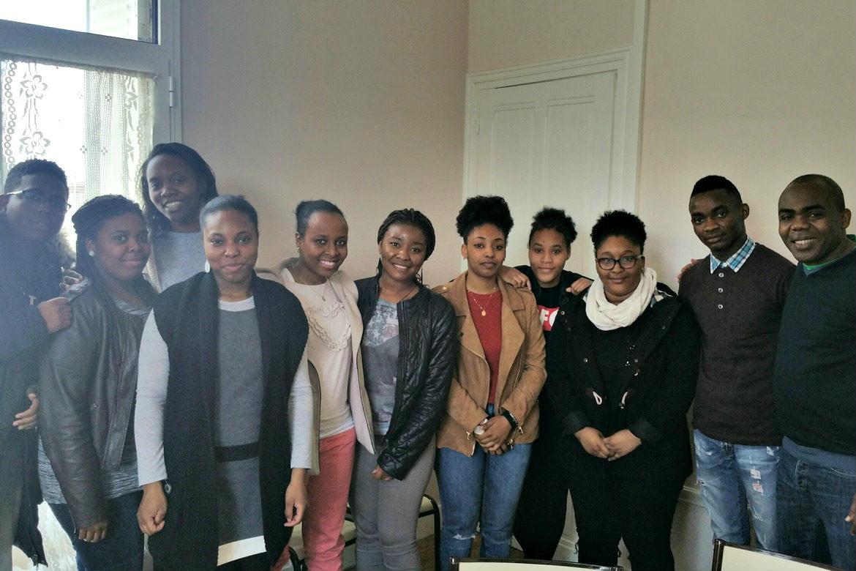 Groupe de jeunes 18-35 ans à La Courneuve