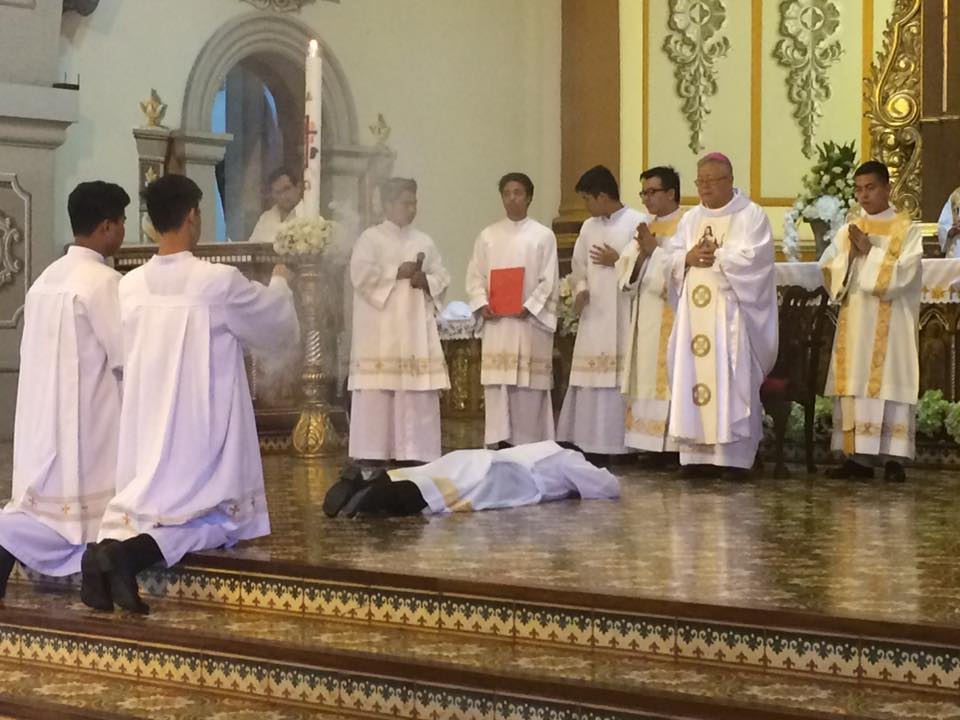 Ordination diaconale de Richard Belga fc, le 2 avril 2016, aux Philippines