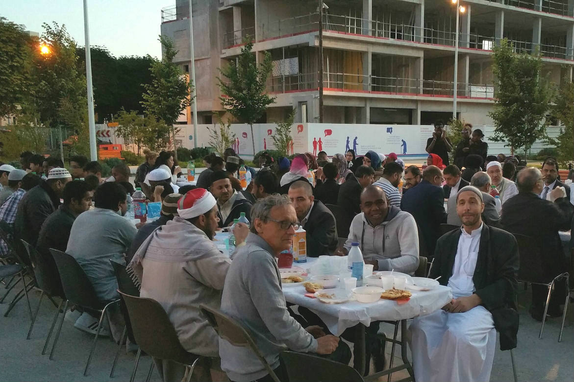 Rupture du jeûne pendant le Ramadan 2016 à La Courneuve