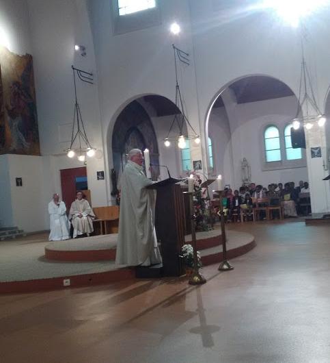 Départ de Remy Jubert fc et d'Alain Ollivier fc de la paroisse Sainte-Hélène dans le 18ème à Paris