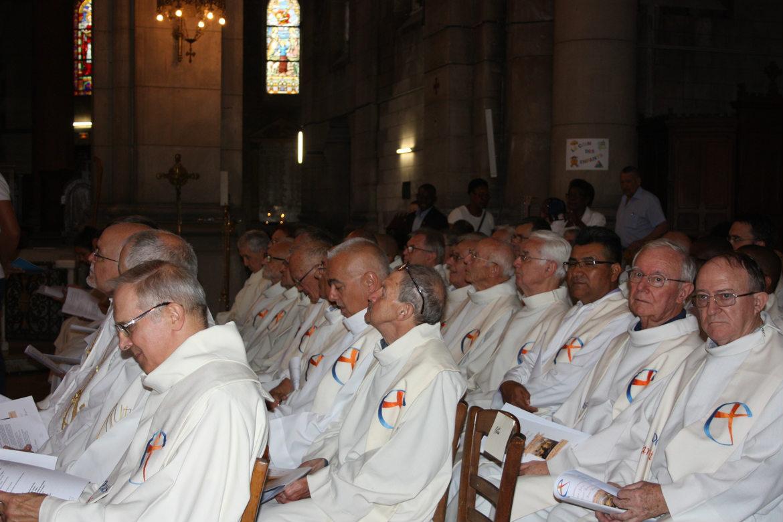 Ordination presbytérale de Gilbert Julien fc le 3 septembre 2017 à Saint Ouen (France)