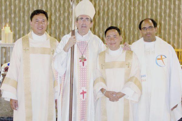 Richard Adalim, Mgr Michel Pansard, Michael Jayson Abao et Etienne de Souza