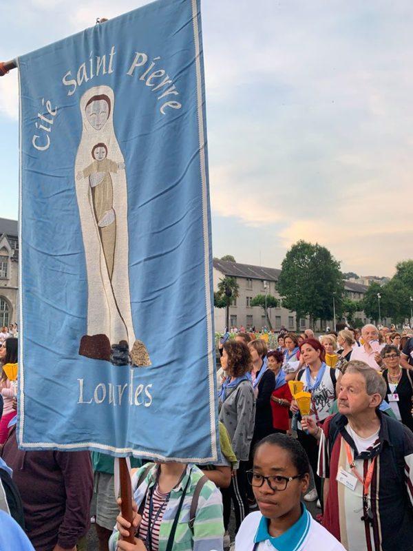 Procession mariale à Lourdes Jean Ménérier en 2019
