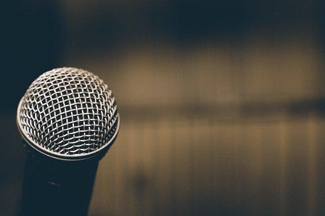 Microphone par Gerd Altmann de Pixabay