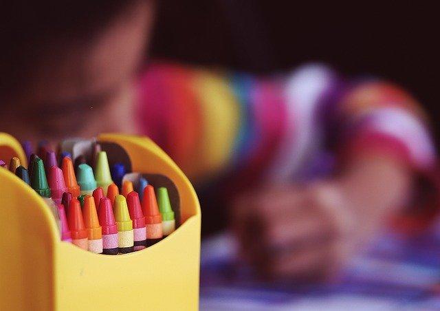 crayons par pixabay